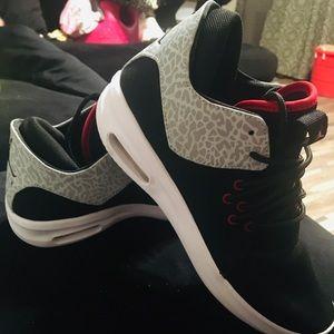 Kids Jordans size 7